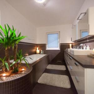 ELK Kundenhaus : Moderne Badezimmer von ELK Fertighaus GmbH