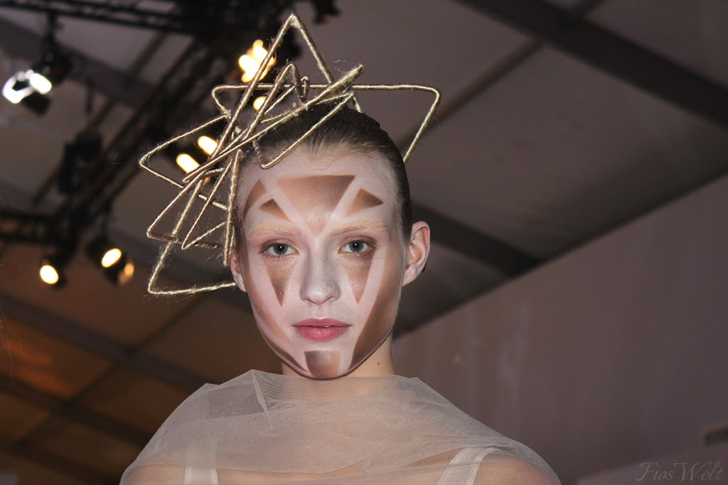 Maybellie Make-Up Runway