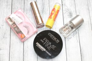 Catrice - Prime and Fine Mattifying Powder Waterproof