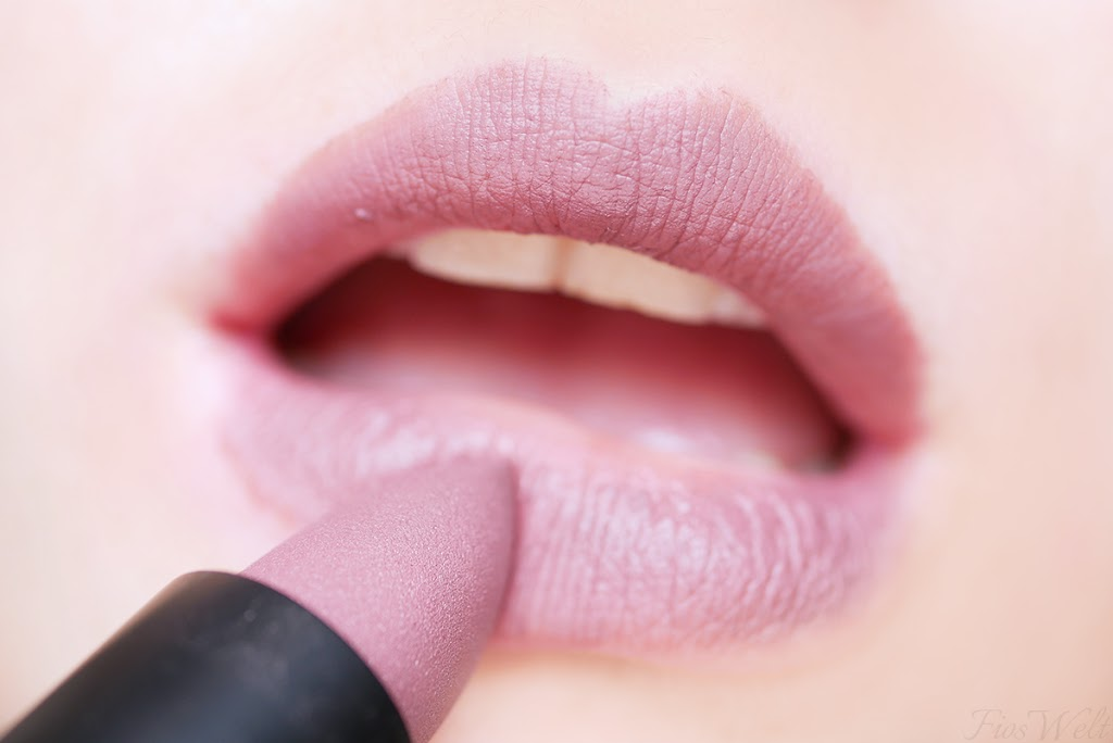Ultimate Matt Lipstick - 050 Taupeless In Love
