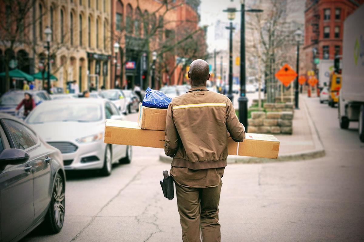 Paket-Zusteller